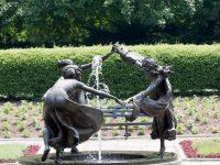 Fountain Dancers